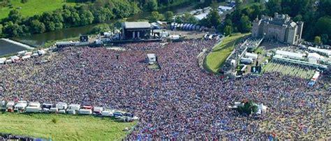 eminem castle less than 4 500 attend last night s kanye west concert