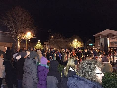 city home bank s annual tree lighting ocnj daily