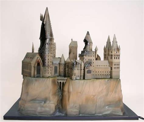 hogwarts cake postcards of the hanging