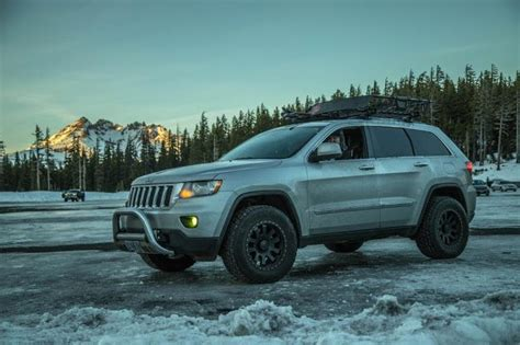 jeep grand cherokee wk2 lifted jeep grand cherokee wk2 rocky road lift google search