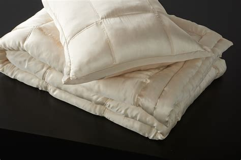silk coverlet donna karan collection ivory silk quilt donnakaranhome com