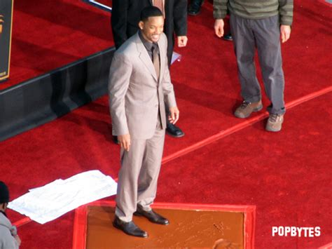 Will Smith Now Cemented In by Grauman S Theatre Popbytes