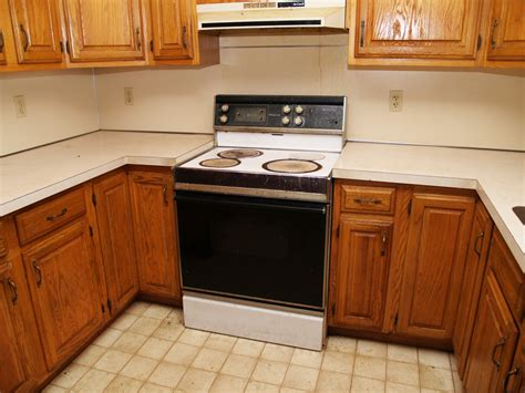 kitchen cbinet when should you replace your kitchen cabinets tops
