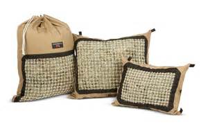 feeding horses giveaway from the hay pillow inc