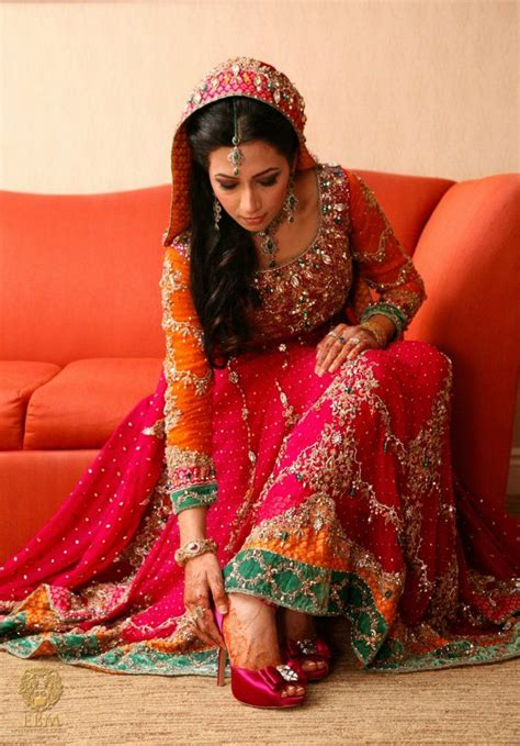 colour themes for mehndi 10 most stylish pakistani bridal dresses for this season
