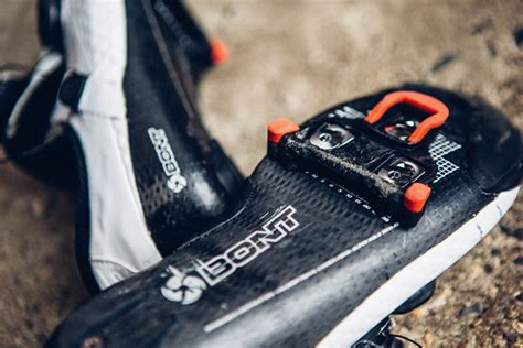 carbon bike shoes are carbon soled cycling shoes necessary cycling weekly