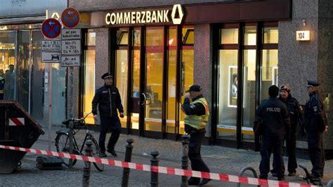 berliner bank friedrichstraße gef 228 hrliches p 228 ckchen dhl erpresser nimmt berliner bank