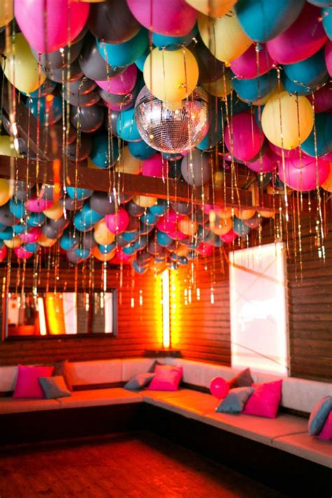 Balloon Room Decorating Ideas by 28 Creative Balloon Decoration Ideas For Home