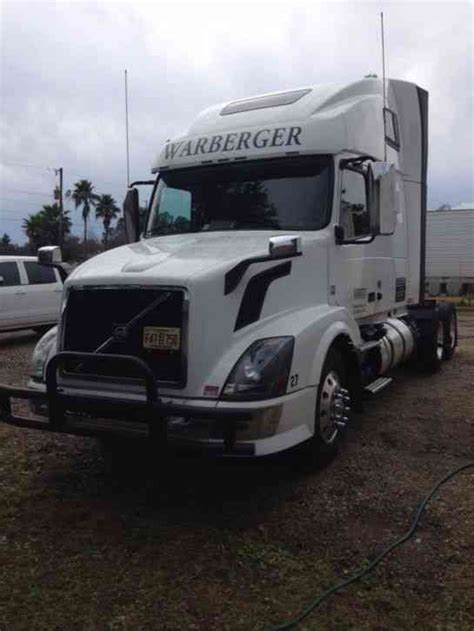 2014 volvo semi truck price volvo vnl64t 2014 sleeper semi trucks