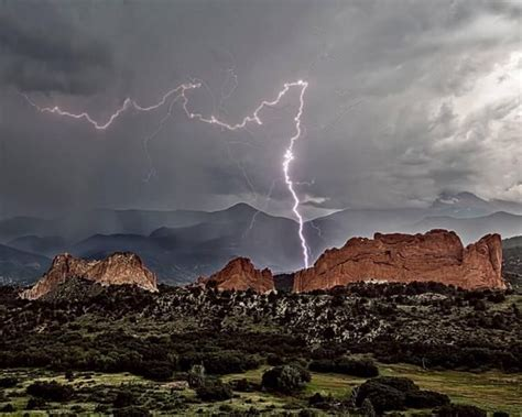 garden of the gods lighting quot colorado springs quot lightning yahoo image search