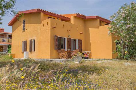 götz george haus sardinien ferienhaus bungalow und fewo details strandhaus in