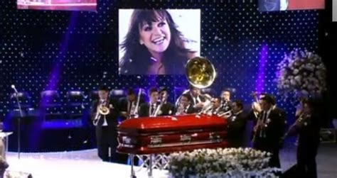 jenni rivera memorial touching tribute by family and fans los mejores momentos del funeral de jenni rivera videos