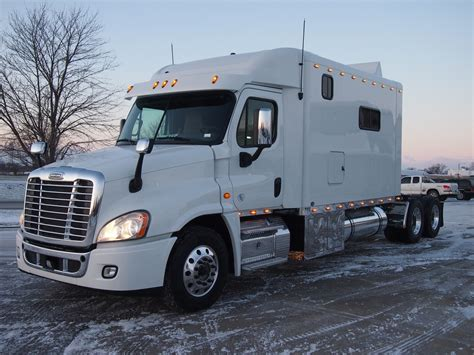 Freightliner With Sleeper by Freightliner Cascadia Ari Legacy Sleepers
