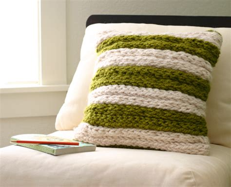 knit projects diy project chunky finger knit pillow design sponge