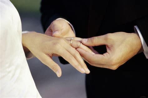Wearing Two Rings Articles Easy Weddings