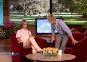 upskirt celebs jennifer love hewitt s crossing her legs