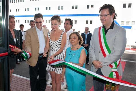 ufficio delle dogane di venezia c irca 1 800 i passeggeri coinvolti nelle due toccate