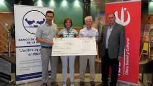 el centro cultural ibercaja en logrono dona  euros al banco de alimentos de la rioja