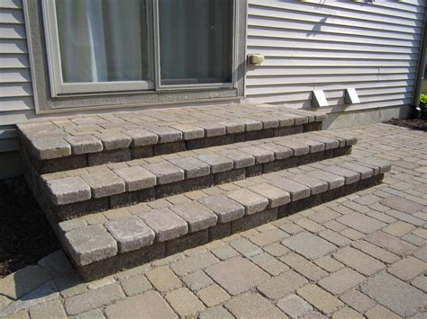 Build A Patio With Pavers How To Build Patio Steps Using Pavers Icamblog