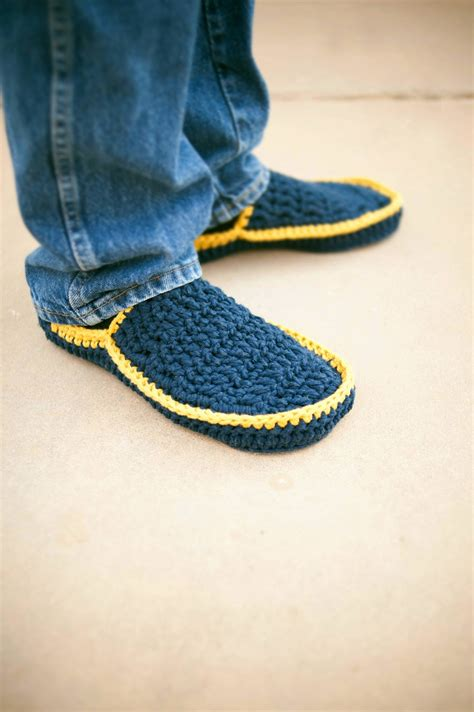 pattern for house slippers men s house slippers crochet pattern in 5 sizes no 5