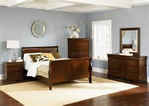 Bedroom Color Ideas With Cherry Furniture Whiskey Finish Louis Philippe Sleigh Bed W Optional Goods