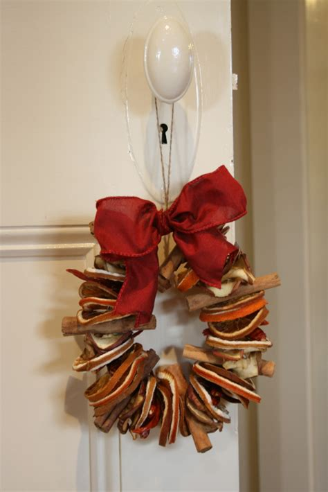 buckingham road dried fruit and cinnamon wreath