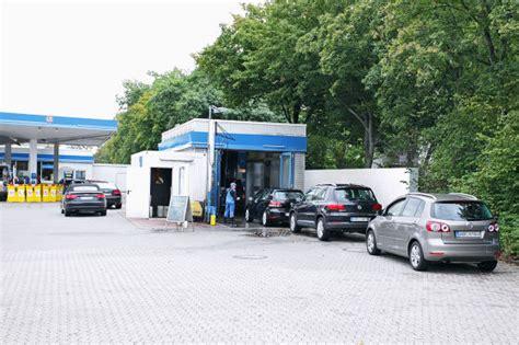 Polieren In Der Waschanlage by Beste Waschstra 223 E M 252 Nchen G 252 Nstig Auto Polieren Lassen
