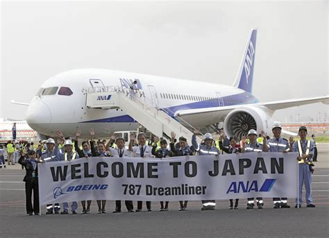 ana launches routes to tokyo s haneda airport from new photos boeing and ana conduct 787 dreamliner service