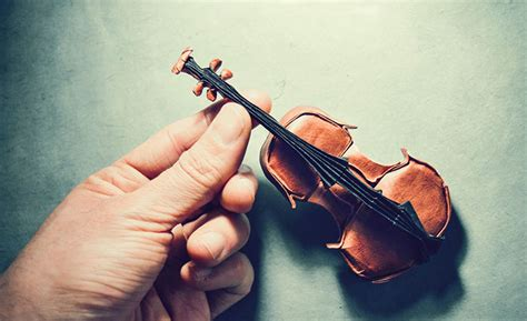 Origami Violin - the most beautiful exles of origami paper