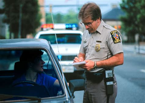 do cops to their lights on when radaring what are your rights after being pulled by the