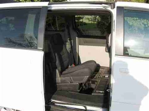 stow and go seating vehicles buy used 2009 dodge caravan w stow go seating 3 3