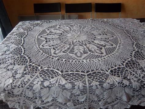 nappe ronde au crochet nappe au crochet nappe crochet napperon nappe ronde ou rectangulaire au crochet mes