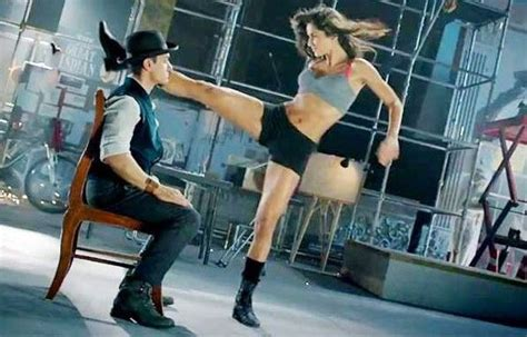 dance tutorial on kamli aamir khan doing tap dance there in dhoom 3 also the