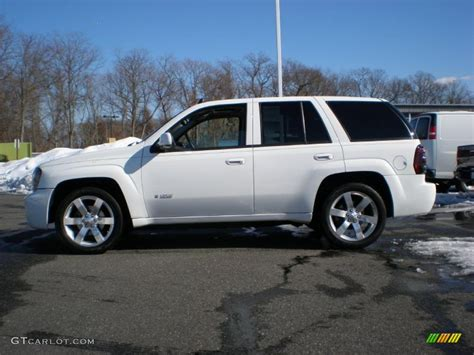 chevrolet trailblazer white summit white 2009 chevrolet trailblazer ss awd exterior
