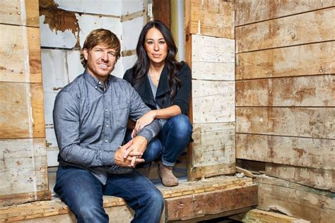 how to get on fixer upper how the stars of fixer upper transformed a town in texas