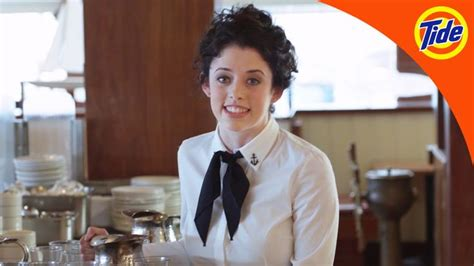 whos the waitress in the tide pods commercial tide tide pods waitress 15 moda pinterest tide