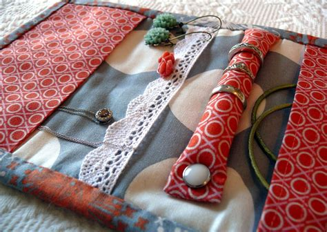 how to make a jewelry roll bag dirt cheap decor travel jewelry diy