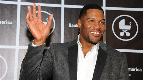 what kind of haircut does michael strahan have how many kids does michael strahan have reference com