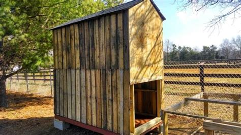 how to build a backyard chicken coop how to build a pallet chicken coop 20 diy plans guide patterns