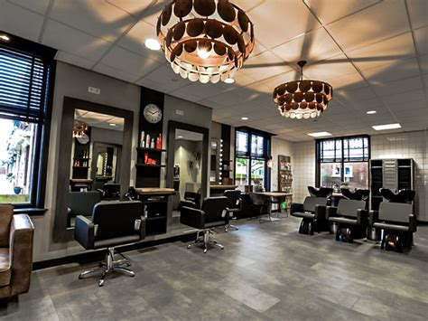 Trendy Kapper by Trendy Kapsels Kapsalon Scherpenzeel Haarproducten La