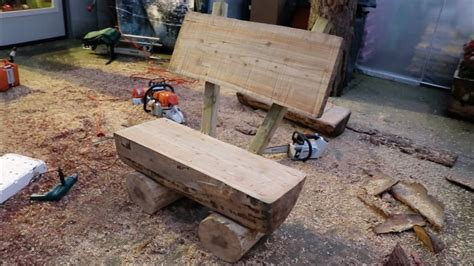 costruire una panchina da giardino  tronchi