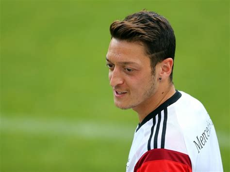 mesut ozil new haircut ozil hair cutting cool hairstyle of mesut ozil jamie