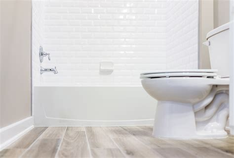 how to clean a bathroom professionally how to clean your bathroom fast professional cleaning tips from the maids