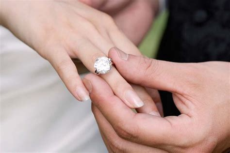 mum boasts expensive engagement ring makes her feel self
