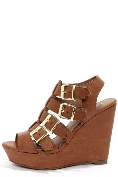 Wedges Wanita Wedges Perempuan 49 madden kloverrr cognac shoes wedge sandals 49 00