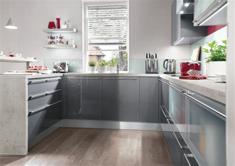 High Gloss Grey Kitchen Cabinets Grey Kitchens 5 Exles Of Kitchens In Subtle Shades Of Grey