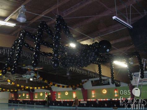 Balloon Falling From Ceiling by 17 Best Ideas About Balloon Drop On
