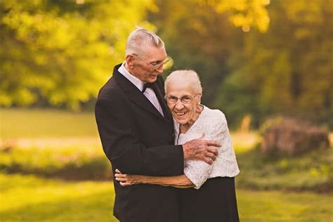 Elderly Couple Has Anniversary Photo Shoot for 65th