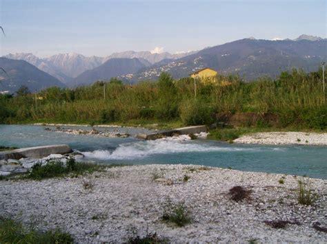 come si chiama il letto fiume quella luce di il fiume di nome frigido