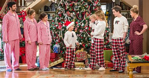 Fuller 1 Set Tis The Season Fuller House Season 2 Revival Photos